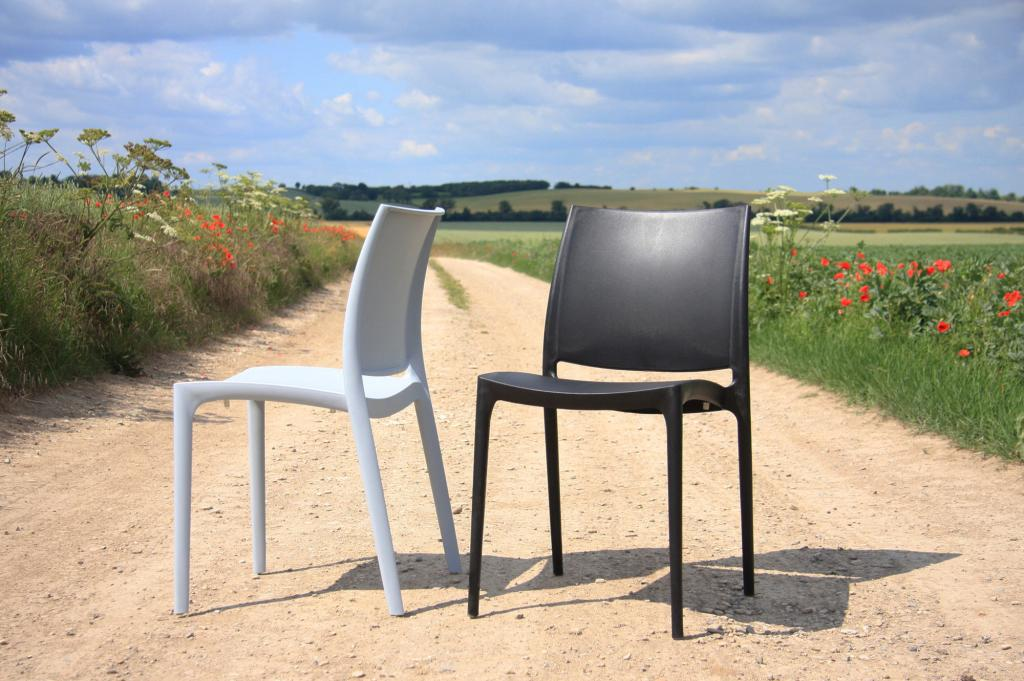 Design Keukenstoel : Modern Outdoor Dining Chairs
